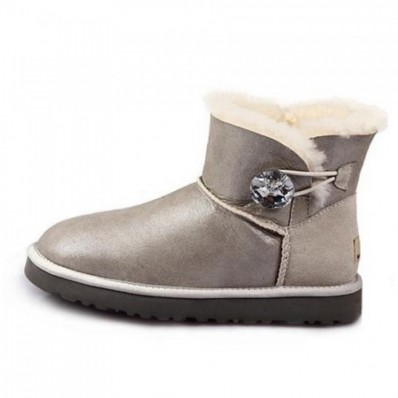 ugg mini bailey button scontati